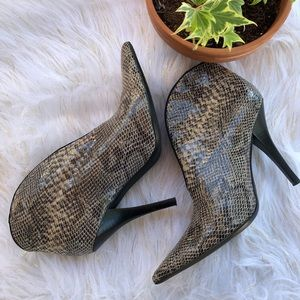 Linea Paolo Ankle Boots